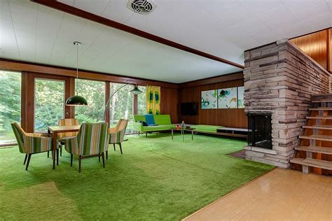 Stunning mid century modern Toronto time capsule house by