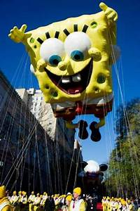The SpongeBob SquarePants balloon floats in the Macy's ...