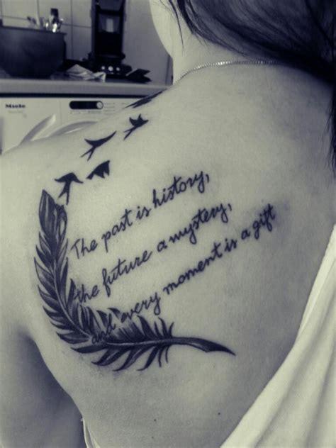 feder mit spruch tattoos zum stichwort feder bewertung de lass deine tattoos bewerten