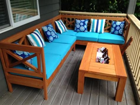 diy outdoor sectional  design wood  coffee table ice