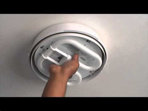 city south knowhow changing a bathroom light