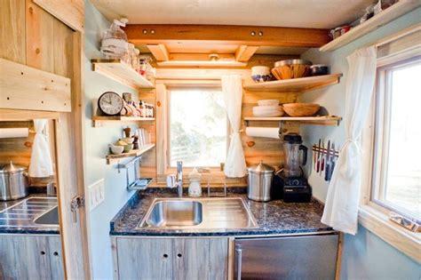 caravane cuisine intérieur de caravane comment l 39 aménager