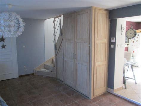 rangement sous escalier le rangement sous escalier un placard tendance