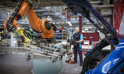 mercedes factory mercedes employs 200 staff at bremen factory takes on glc
