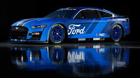 How NASCAR's Next-Gen Ford Mustang Compares to Its ...