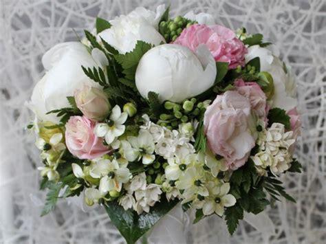 Ci sono giorni che passano inosservati. I fiori più belli di Roma! Visita il nostro sito e la ...