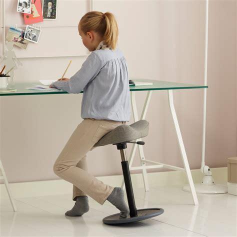 si e ergonomique pour le dos tabouret ergonomique multi usage move par variér