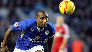 BBC Sport - Leicester City: Captain Wes Morgan signs new ...