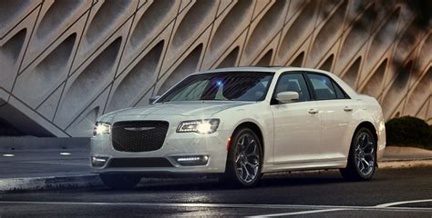 2019 Chrysler 300 White Color Headlights On Hd Images