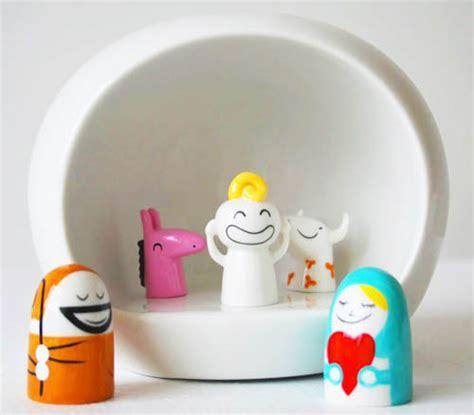 Alessi Presepe Nativity Scene Manger with 5 Figurines