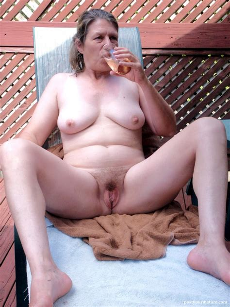 Flashing My Cunt Mature Porn And Nude Pics