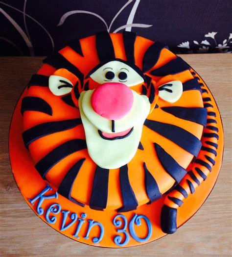 tigger birthday cake template tigger cake cakes cupcakes 2 in 2019 pinterest