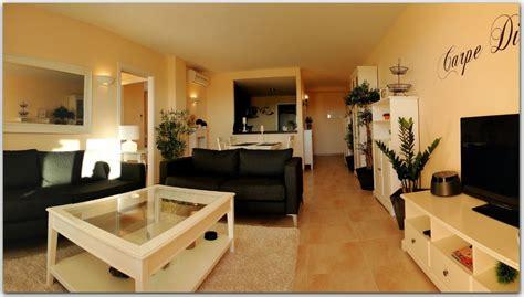 wohnzimmer mit offener küche erstbezug designer wohnung mit klimaanlage pool und parkgarage in sa coma mallorca