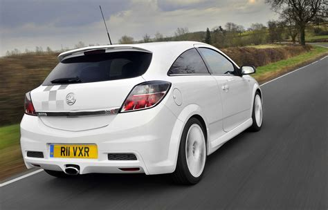 vauxhall astra vauxhall astra vxr review 2005 2010 parkers