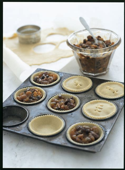 best mince pies recipe easy mince pie recipe with ready made pastry