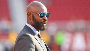 Jerry Rice Apparently Crashes Weddings On The Weekends