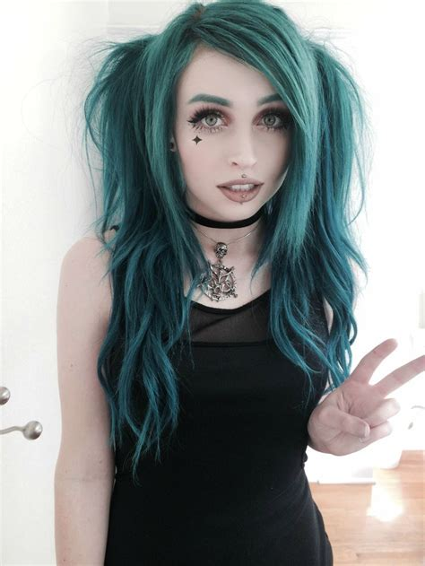 The 25 Best Emo Girl Hairstyles Ideas On Pinterest Emo