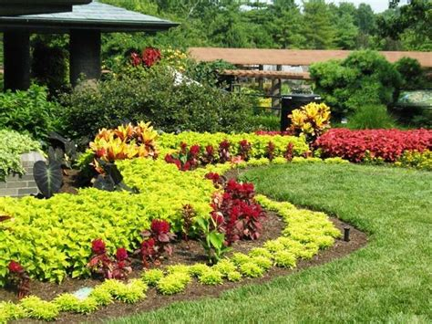 better homes and garden landscaping photos