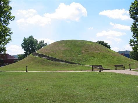 File:Criel Mound.jpg - Wikipedia