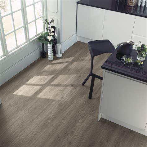 amtico flooring weathered oak beautifully designed lvt flooring from the amtico spacia collection amtico for