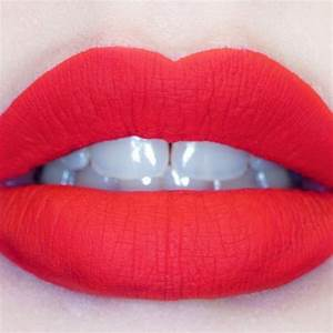 Instagram Insta Glam Matte Lips