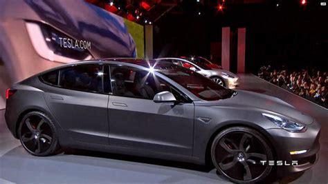 Tesla Model 3 Pre-orders Hit 276,000 In Opening Weekend
