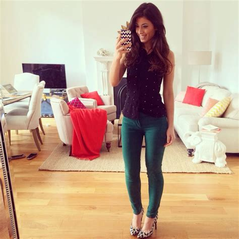 Green Pants, Black Blouse, Spring Outfit
