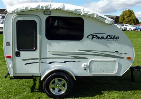 lightweight travel trailers  lbs
