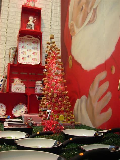 escaparate navidad con 225 rbol de cajas de madera recicladas