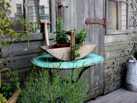 rustic backyard ideas shabby chic garden decor rustic