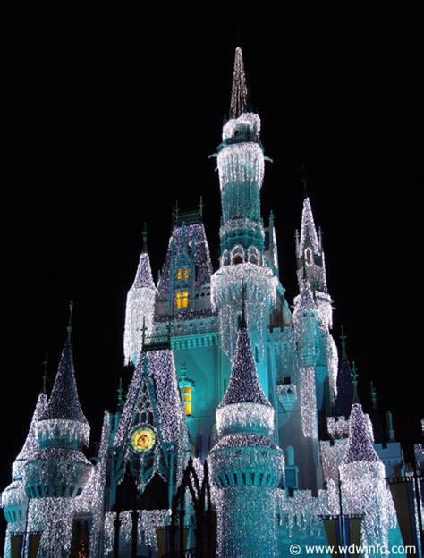 cinderella s castle lights photos at walt disney world