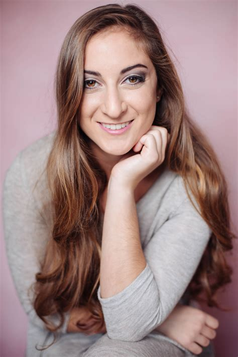 best professional professional headshots for linkedin tips from a photographer