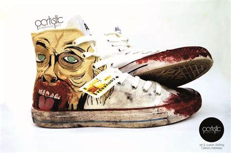 sepatu lukis converse walking dead partystic
