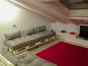Cuscini Per Divani In Legno Home interior idee di design tendenze e ispirazioni