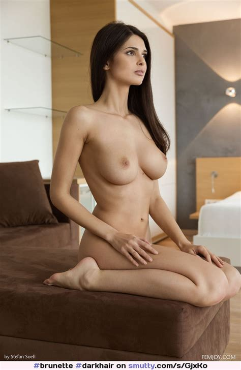 Brunette Darkhair Latina Busty Nicebody Bigboobs