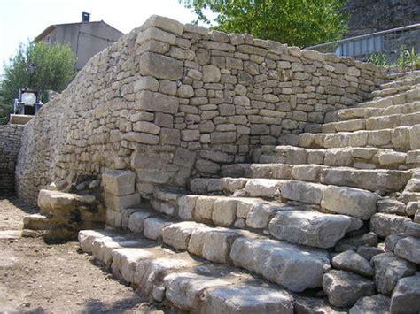 restauration des remparts et am 233 nagement du rocher chantiers r 233 alis 233 s et r 233 novation