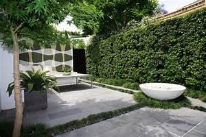 amenagement de jardin contemporain 105 idees modernes en With eclairage exterieur maison contemporaine 13 amenagement exterieur zen contemporain piscine lyon