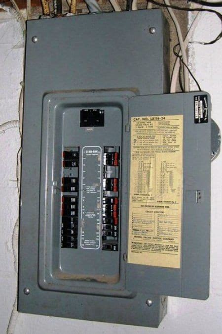 cost  replace  circuit breaker box electrical wiring