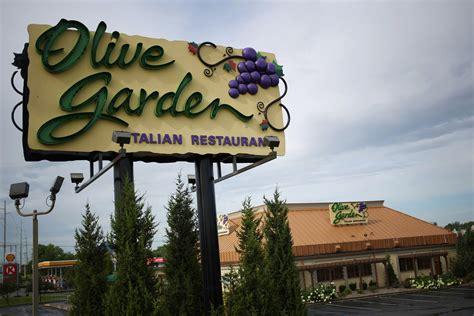 olive garden chicago olive garden to sell 21 000 pasta passes thursday deal
