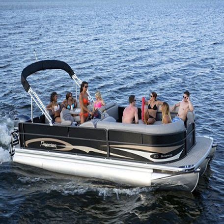 Lake House Rental With Pontoon Boat by Best 25 Pontoon Boat Ideas On