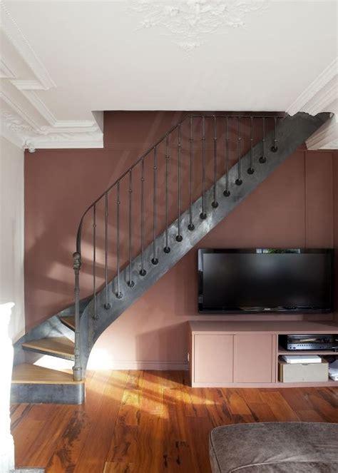 Escalier Bistrot quart tournant balancé, acier et bois