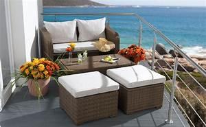 petite terrasse deco inspirante et accueillante speciale With nettoyage tapis avec canapé pour balcon