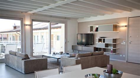Come illuminare il soffitto in legno Architettura a domicilio®