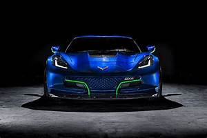 Genovation GXE C7 Corvette Debuts With 800 HP GM Authority