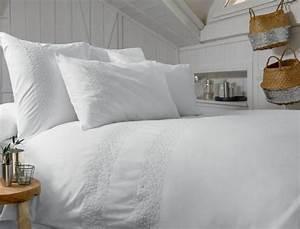 Parure De Lit Boheme : linge de lit r ves blancs linvosges ~ Teatrodelosmanantiales.com Idées de Décoration