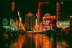 A Fading Art Neon Signs Classic Las Vegas History Blog