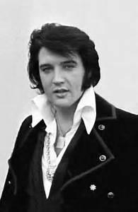 Elvis Presley Ist Tot Er Ist Im Alter Von 42 Jahren