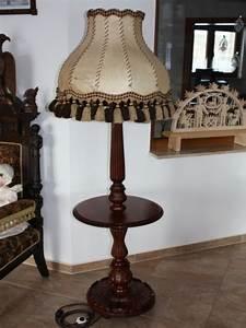 Stehlampe Mit Tisch : lampenschirm stehlampe antik ~ Indierocktalk.com Haus und Dekorationen
