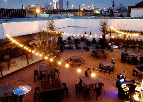 new patio bar aims to create a walkable houston