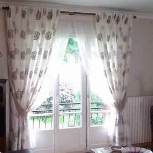 Rideaux à Poser Sur Fenêtres : installation classique de voilages et doubles rideaux sur ~ Premium-room.com Idées de Décoration